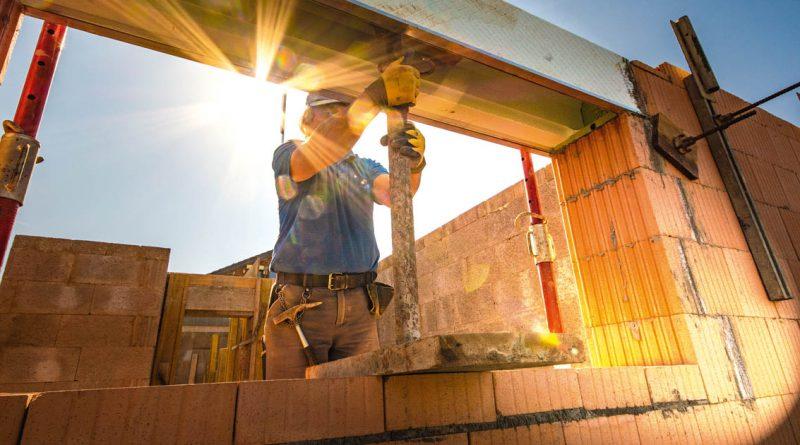 Trotz Corona: Bauarbeiter in Frankfurt (Oder) packen noch zu