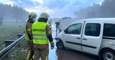 Unfall auf der A12 aufgrund von Hagelkörnern